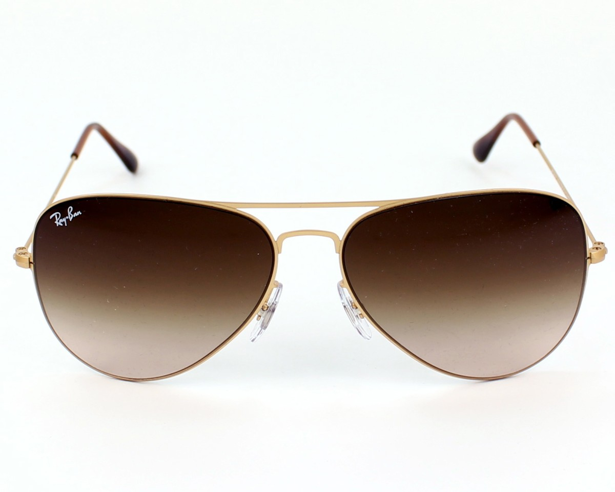 126349142c9 thumbnail Sunglasses Ray-Ban RB-3513 149 13 - Gold front view